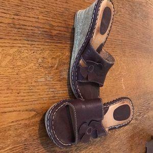 Born platform sandal